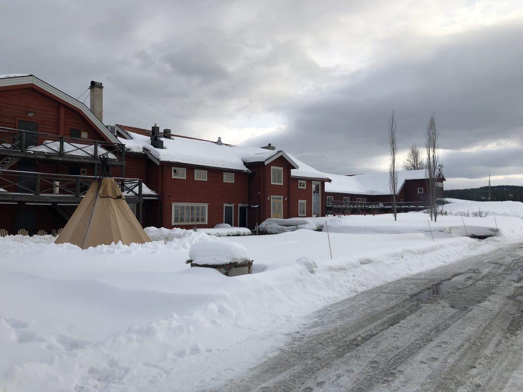 Fäviken ligger 30 minuter från Åre. Hit åker folk från hela världen för att äta.