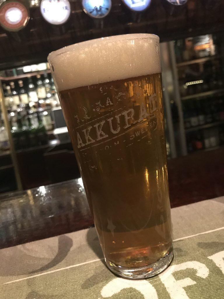 En session pale ale på Akkurat. Foto: Joel Linderoth