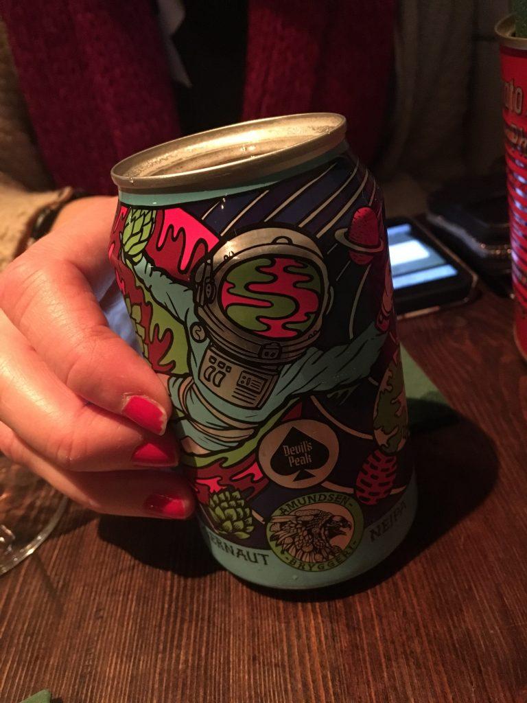 En stilla öl på Nook. Foto: Joel Linderoth.