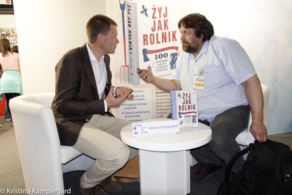 Intervjuer på bokmässan i Warszawa.