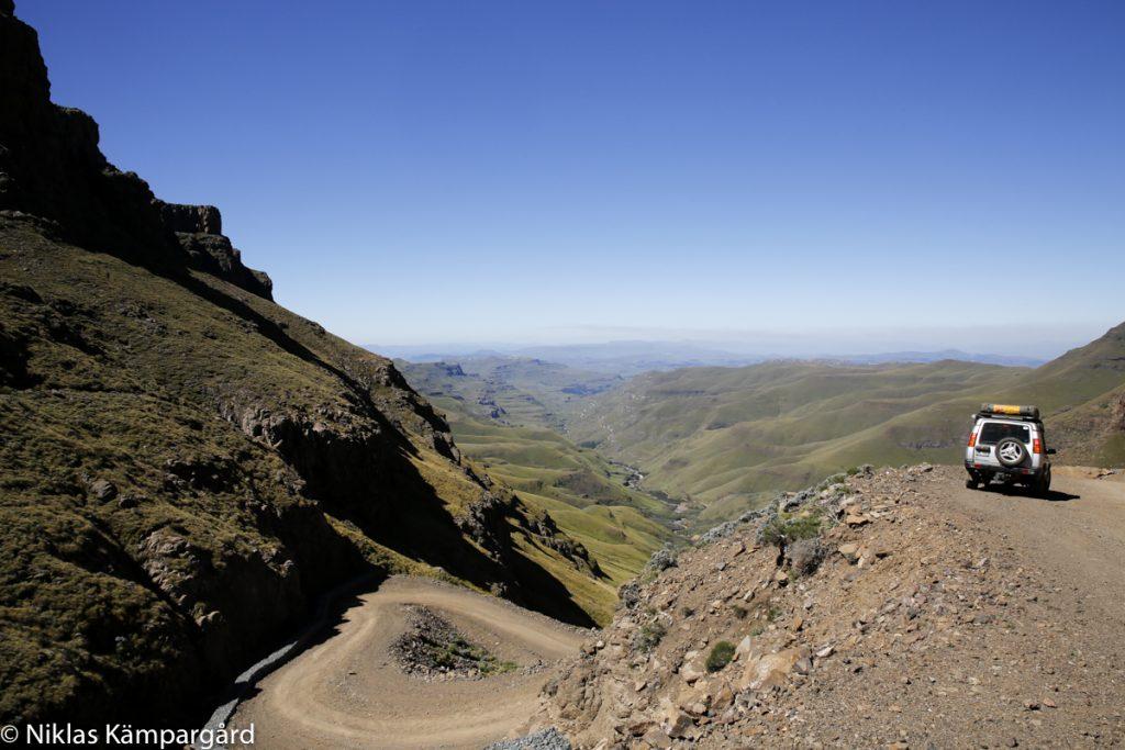 Min Land Rover släpper visserligen ut mer koldioxid än en e-Golf, men har tagit mig till fantastiska platser i Afrika. Lesotho.