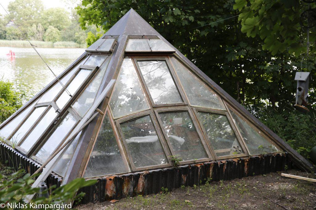 Ett läckert växthus i Christiania i Köpenhamn ger idéer kring att allt inte måste vara förutbestämt.