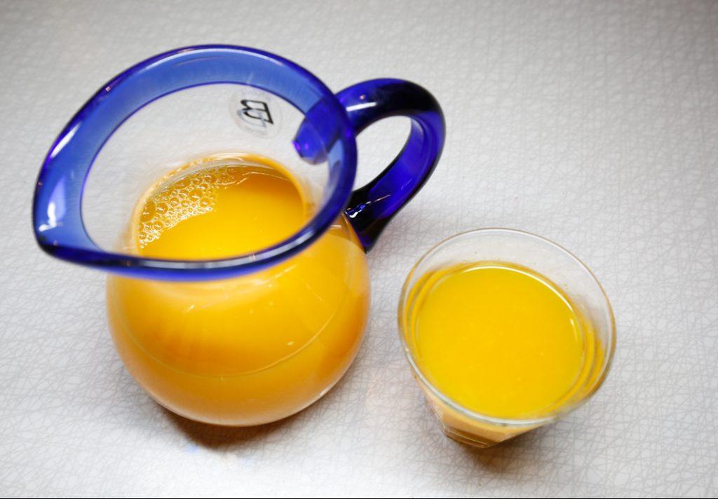 Chilijuice med apelsin och citron.