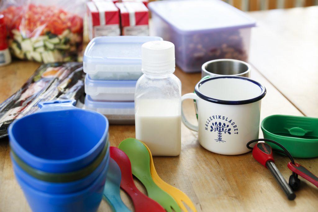 Förbered gärna maten hemma och packa ingredienserna i lämpliga behållare.