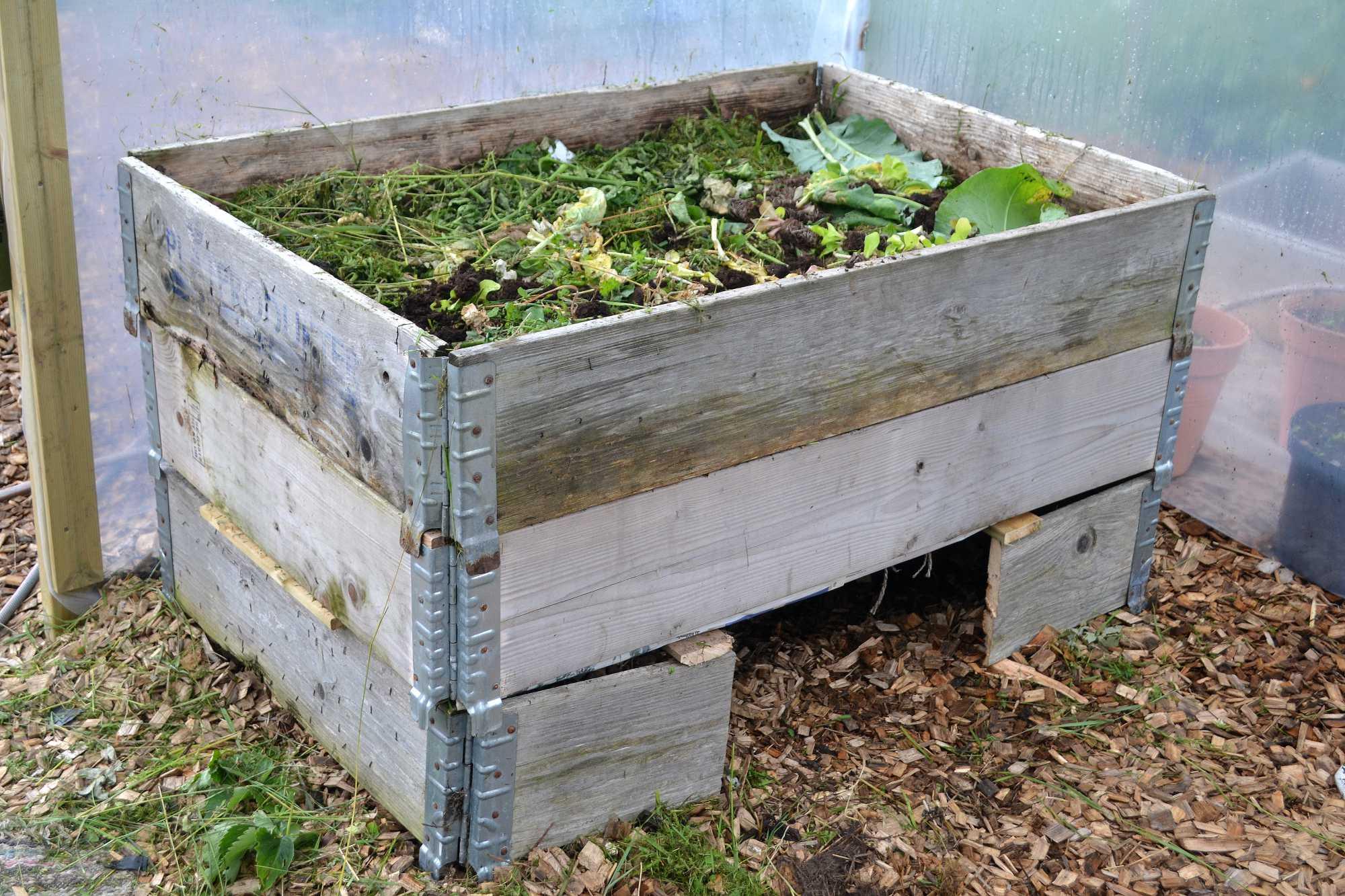 En kompost i en pallkrage