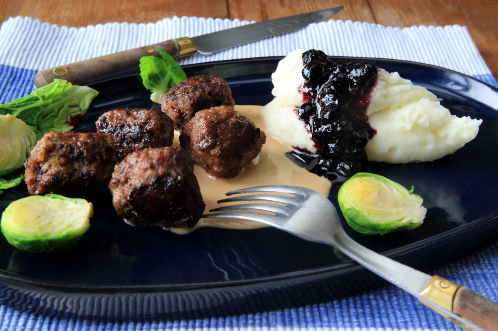 köttbullar, blåbärssylt