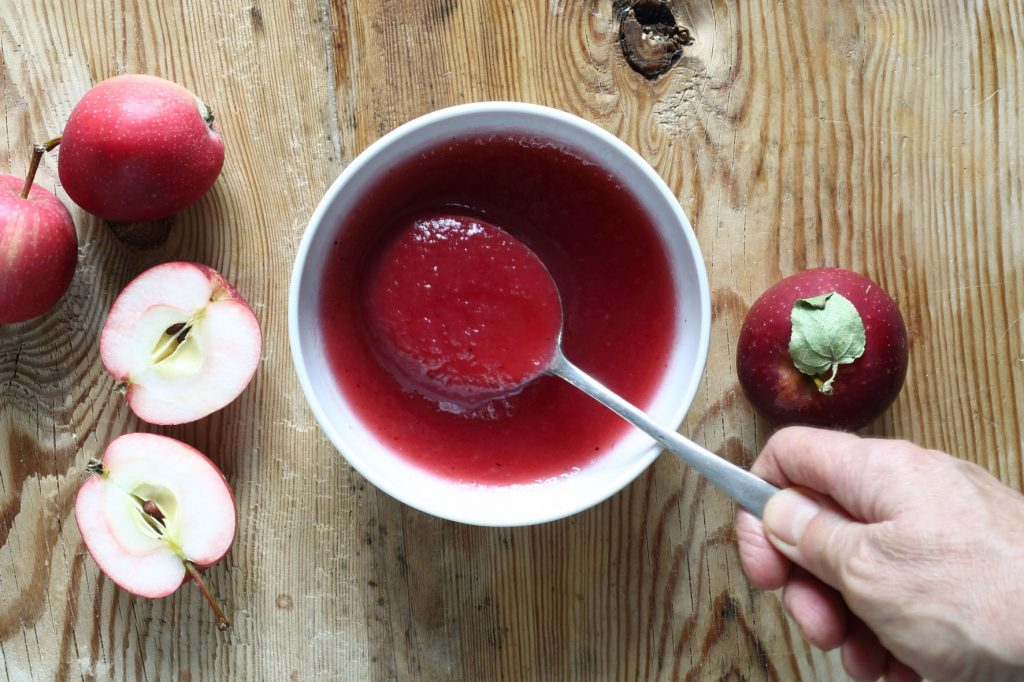 skogtillbord-äppelmos-rosa-sept18
